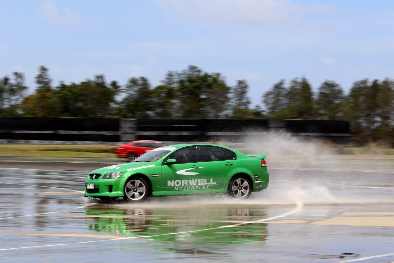 advanced defensive driving lessons gold coast